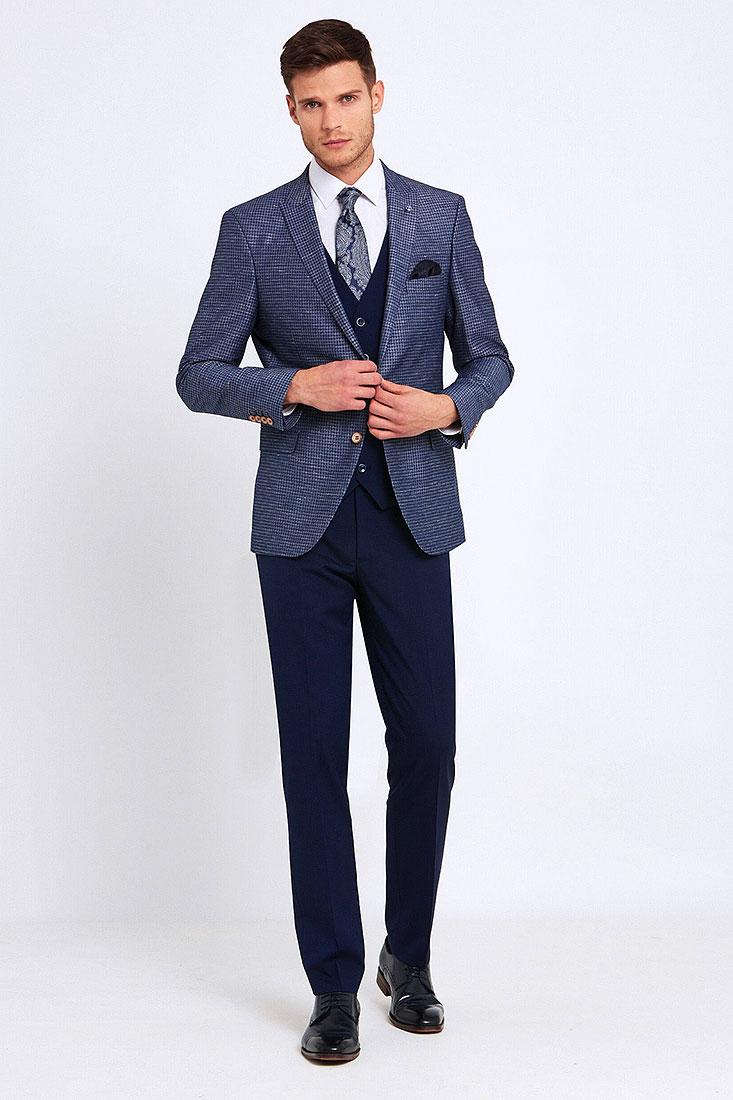 Nigel Three Piece Suit in Navy